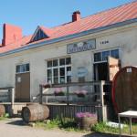 Paksuniemen Juomatehtaalla valmistetaan siideriä paikallisista raaka-aineista.