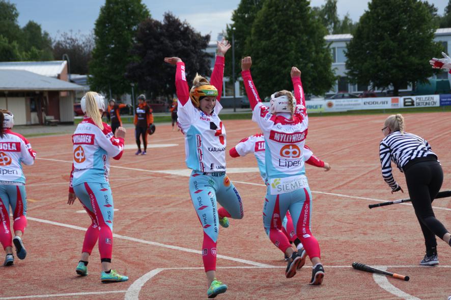 Kausi 2016 jää toistaiseksi viimeiseksi kaudeksi, kun Viinijärvellä pelattiin superpesistä.