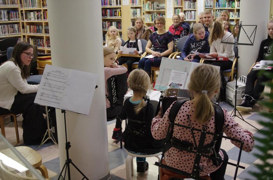 Liperin kirjaston akustiikka toimi hienosti keskiviikon konsertissa.