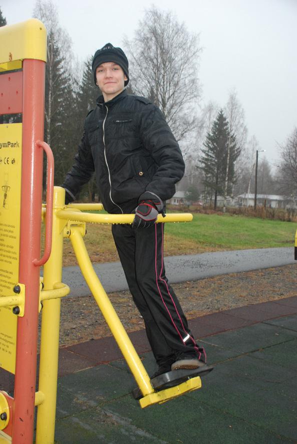 Nuutti Vento viihtyy työssä oppimassa Rääkkylän liikuntatoimen alaisuudessa.