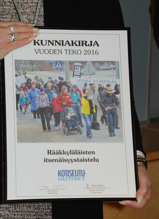 Rääkkyläläisten itsenäisyystaistelu palkittiin Kotiseutu-uutisten Vuoden teko -palkinnolla.