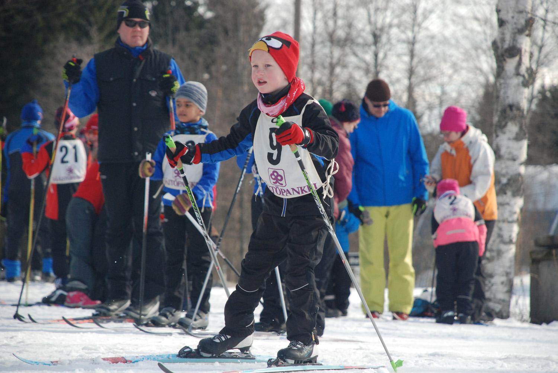 Sää helli hiihtäjiä Rasivaarassa.