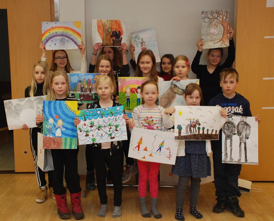 Rääkkylän kuvataidekisaan osallistui yli 80 koululaista. Parhaat palkittiin tiistaina taiteiluvälinein.