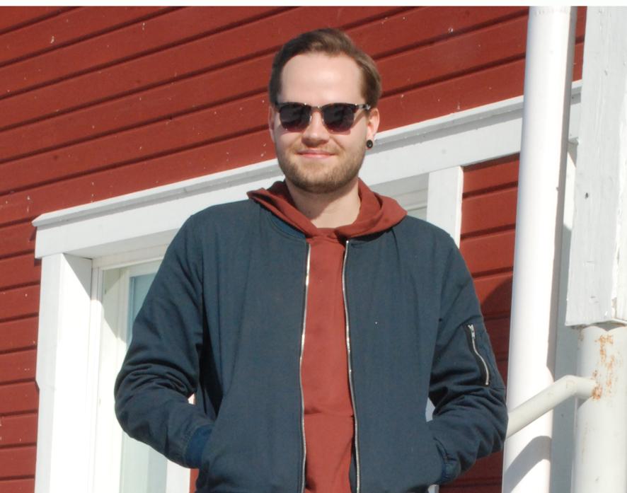 Ville Lehvonen vietti nuoruutensa Rääkkylässä, ja käy edelleen kunnassa säännöllisesti.