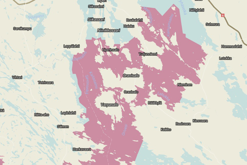 Karttaan on vaaleanpunaisella merkitty verkkokalastuskieltoalue.