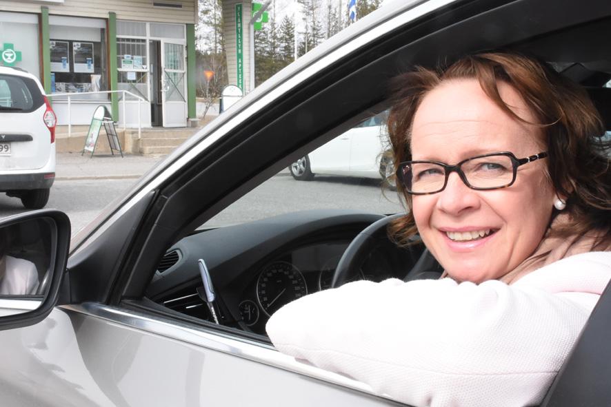 Anne Vänskä kurvaa elokuun alussa uusiin tehtäviin.