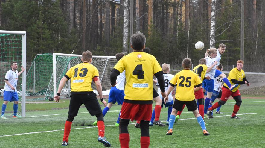 Keltapaitainen NiemU ahdisteli toisella jaksolla Yllätyksen maalia, mutta pisteet jäivät kotijoukkueelle.