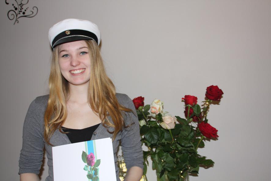 Ylämyllyläinen Heidi Karosto vietti vastikään ylioppilasjuhliaan.