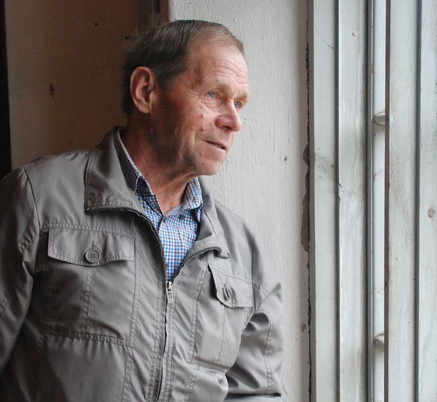 Aarne Rouviselle myllymeijerin ikkunat ovat läpikotaisin tuttuja, sillä hän on entisöinyt niistä suurimman osan.
