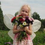 Enna Heikkinen on nuoresta iästään huolimatta jo kokenut kukkakuhhauskävijä.