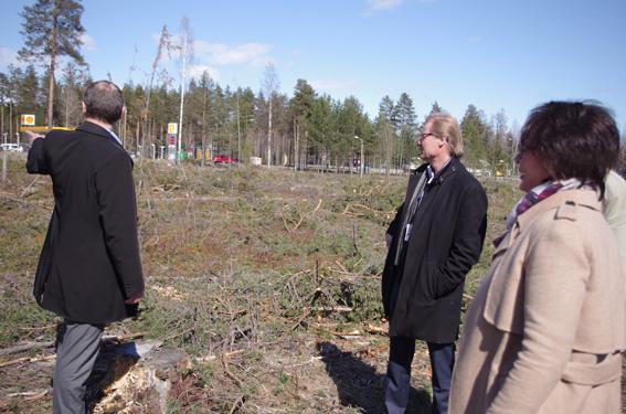SSR Itä-Suomi Oy osti Shellin vastapäisen tontin keväällä Liperin kunnalta.