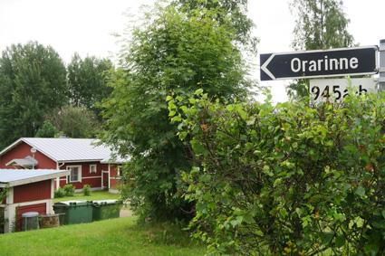 Orarinteen kaksiota markkinoidaan maaseutumaisena kotina. Kuva: Satu Lievonen