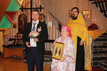 Hanna ja Heikki Rajapolven 10-vuotishääpäivää vietettiin ortodoksisin menoin.