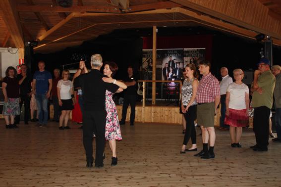 Lavailtoja väritti tänäkin kesänä tanssikurssit. Arkistokuva: Johanna Järveläinen