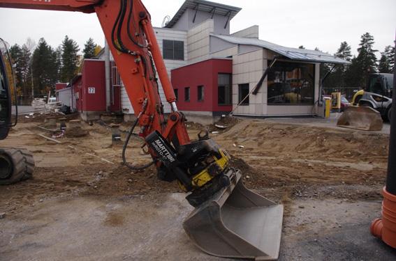 Entisenä Ylämyllyn Shellin työntekijänä Tarja Kuittinen tietää, että Ylämylly tarvitsee kokoustilansa.