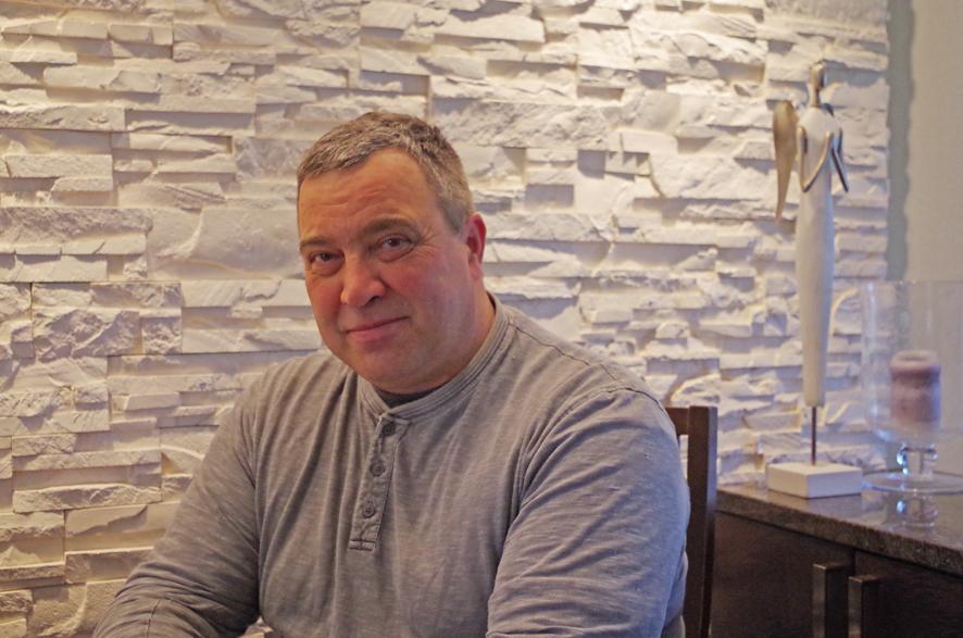 Harri Karvinen juhlii syntymäpäiväänsä Aleksis Kiven päivän aattona.