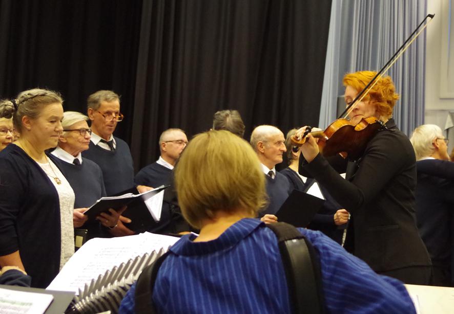 Joensuun Laulupelimannit esiintyivät Liperissä viikonvaihteessa.