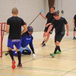Salibändyseura Jekun treeneissä piisaa vauhtia ja liikkumisen riemua.