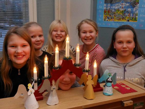 Lapsukaiset arvostavat joulussa tunnelmaa, jonka voi loihtia kotiin esimerkiksi koristeiden ja tuoksujen avulla.