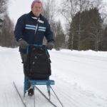 Sirpa Löfgrenin käytti tällä kertaa sinistä jalaspotkuria. Kotoa löytyy myös pyöräpotkuri.