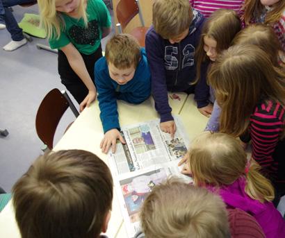 Arkistokuva Kotiseutu-uutisten kouluvierailuilta