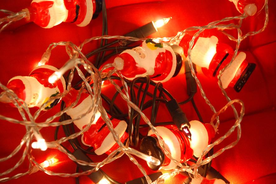 Rikkinäiset jouluvalot ovat ser-romua.