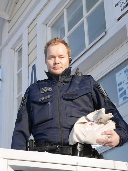 Ylikonstaapeli Matti Tolvasen yksinkertaisilla vinkeillä kuka tahansa voi laittaa kapuloita huijarin rattaisiin.