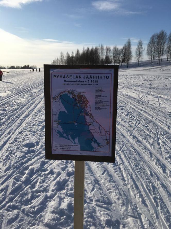 Pyhäselän jäähiihdon aikaan järvellä riitti latuja, joita pitkin sivakoida.