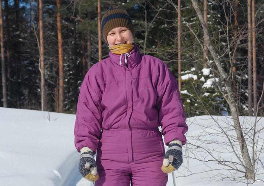Flora Shafranskikh innostui hiihdosta toden teolla Rääkkylässä.