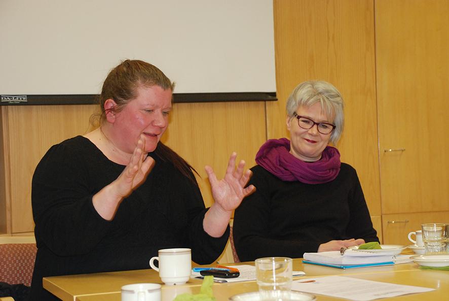 Mammu Koskelo ja Maria Iltola toivoisivat Kihausta tekemään lisää talkoolaisia.