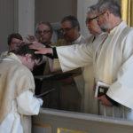 Juha Aronen siunattiin kappalaisen virkaan perinteisin menoin.